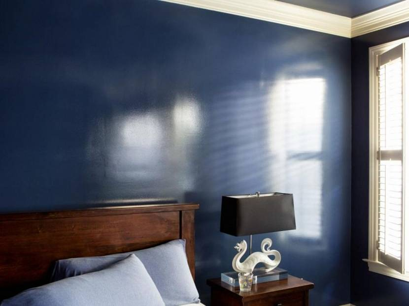 Латексная краска на стене