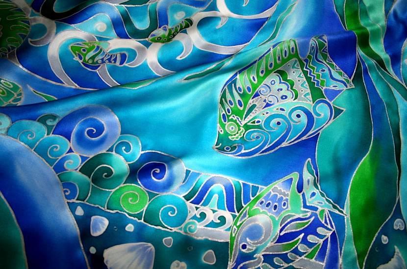 Роспись акриловыми красками по шелку