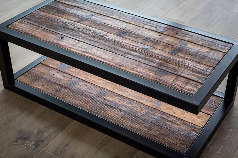 Небольшой двухуровневый столик лофт