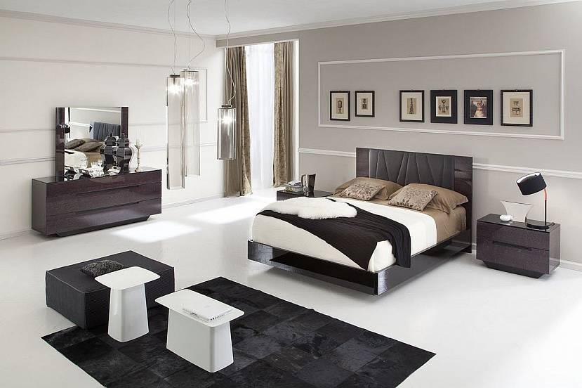 Светлый пол и темная мебель
