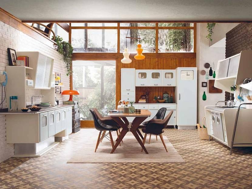 Аккуратная просторная кухня