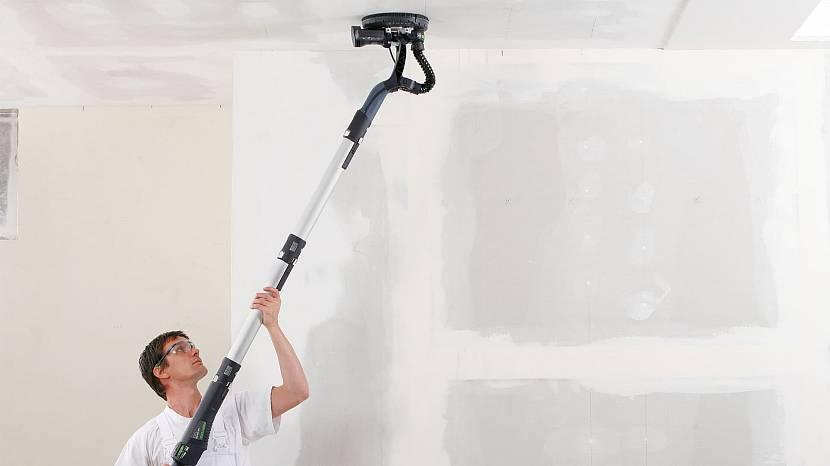 Удаление водоэмульсионки с помощью шлифовальной машинки
