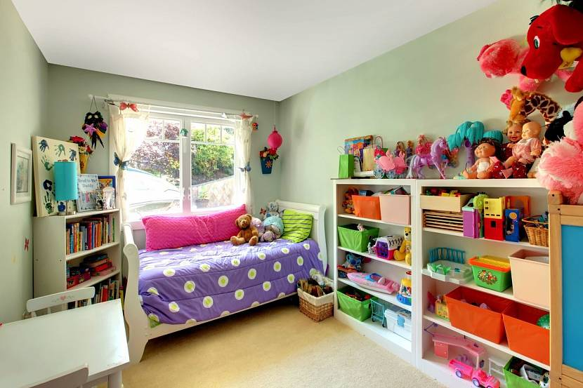 Книги отдельно, игрушки отдельно