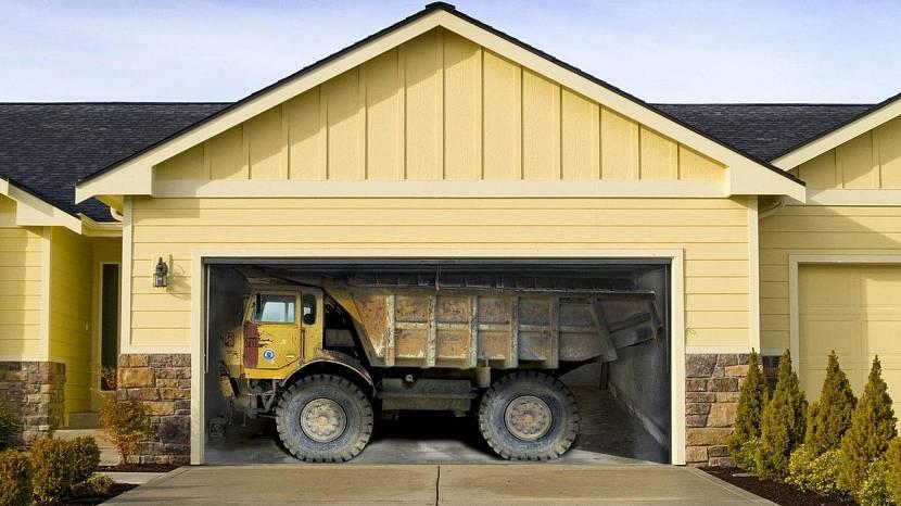 Изображение на воротах гаража