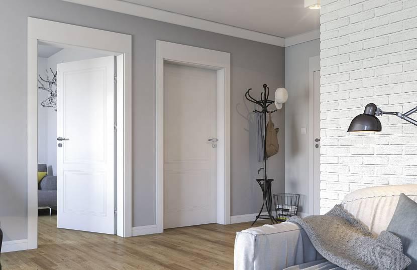 Светлые двери без декора
