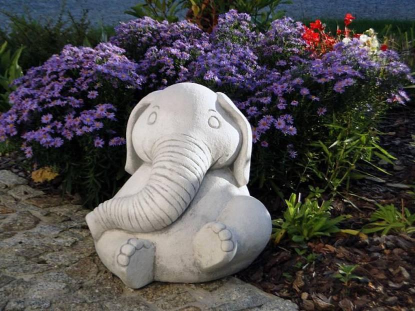 Статуи животных для сада