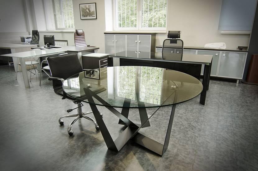 Стеклянный круглый рабочий стол лофт