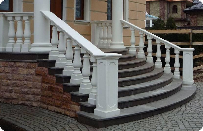 Входная лестница из бетона