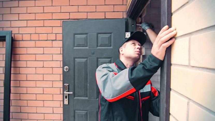 Подготовка металлической двери к покраске