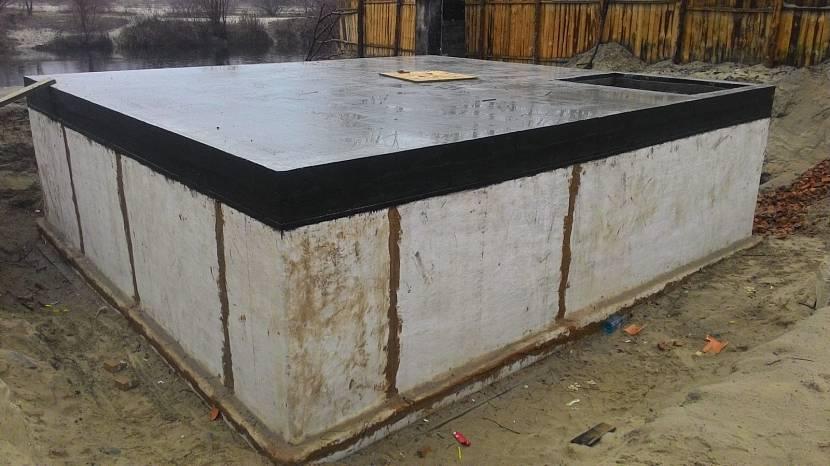 Монолитная плита – самый дорогостоящий фундамент