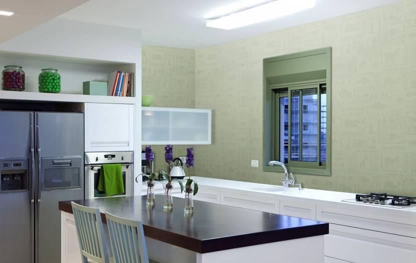 Крашеные стеклообои для кухни