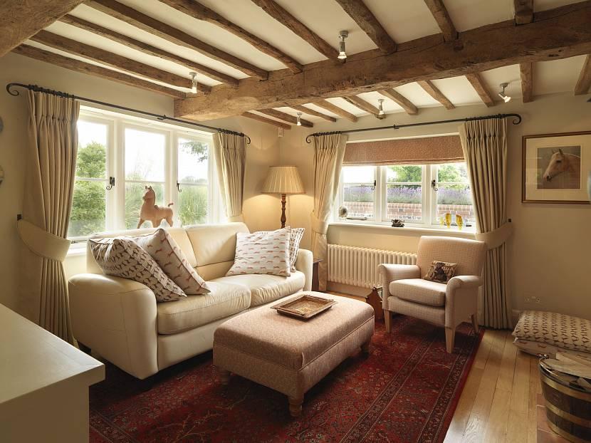 как подобрать цвет дивана к интерьеру в гостиной