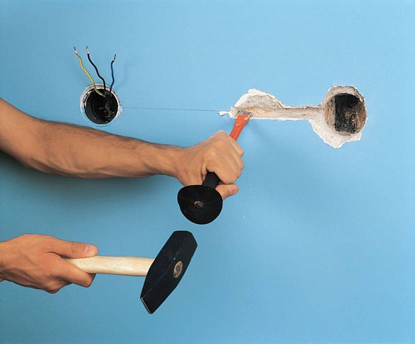 Как сделать штробу зубилом и молотком
