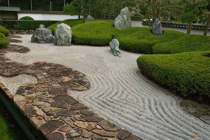 Ландшафтный песок в японском саду