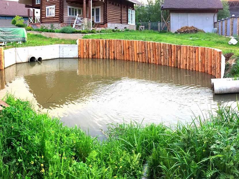 Вариант осушения участка с помощью искусственного пруда
