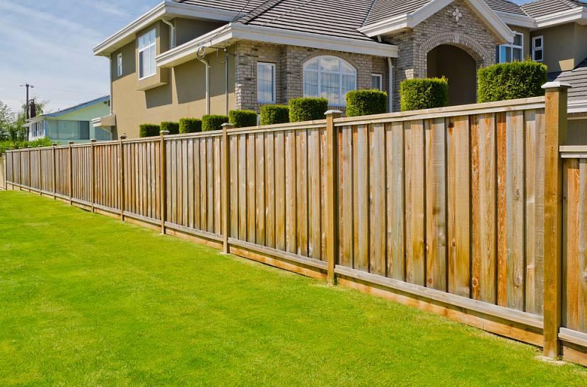 Деревянный забор - преимущества