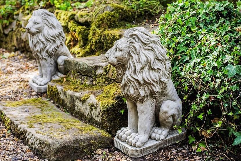 Садовые статуи из камня