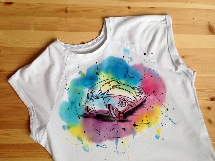 Оформление детских вещей акриловыми красками