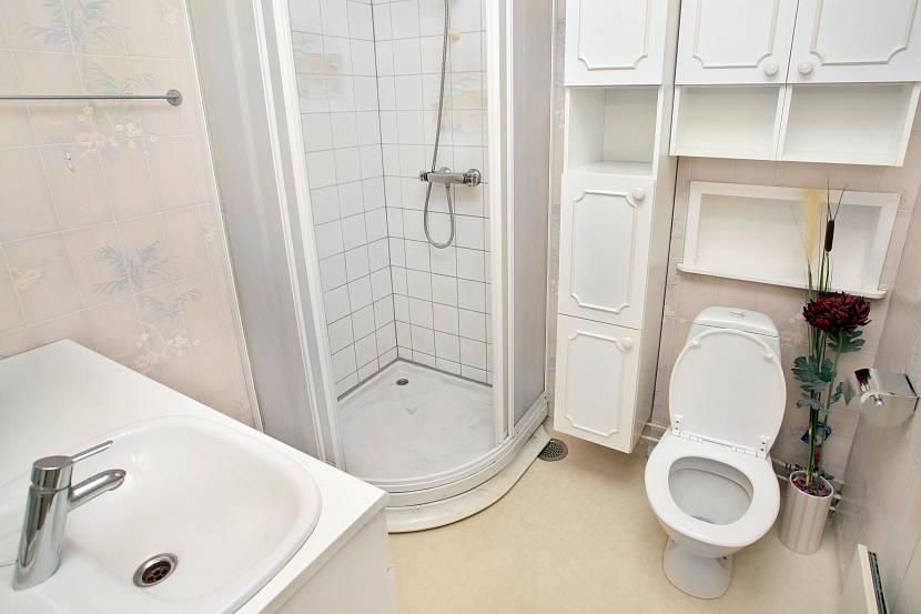 Ванная комната в белом