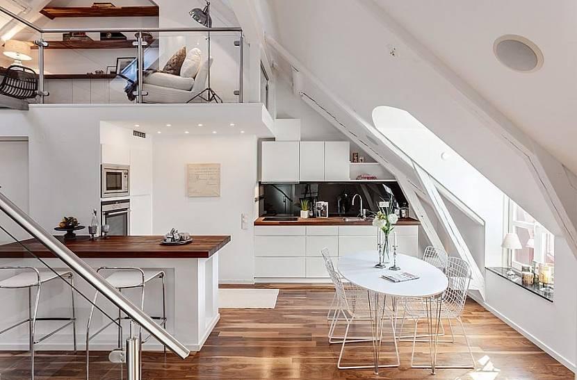 Кухня на втором этаже дома фото