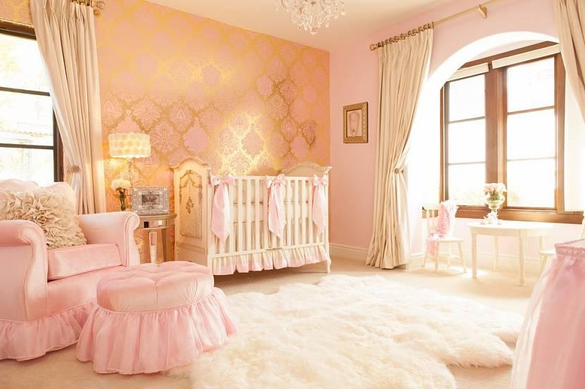 Комната в розово-золотом цвете