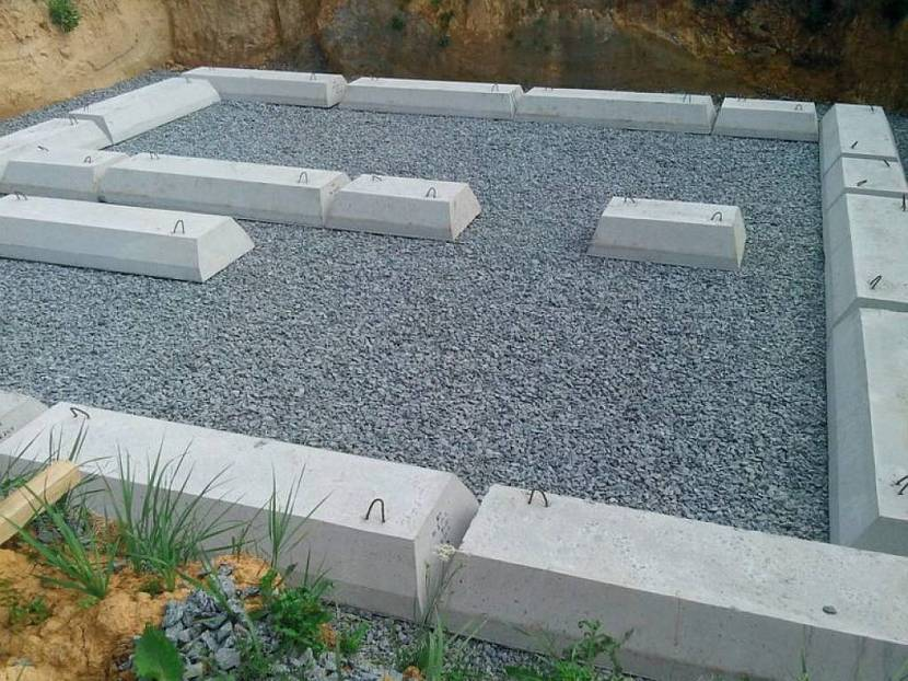 Подоснова из бетонных блоков