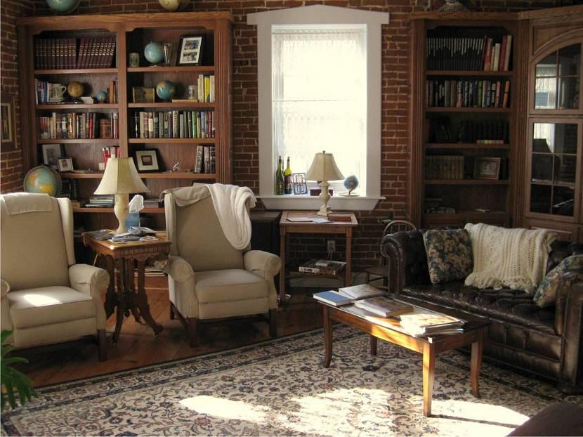 Гостиная комната в старинном интерьере