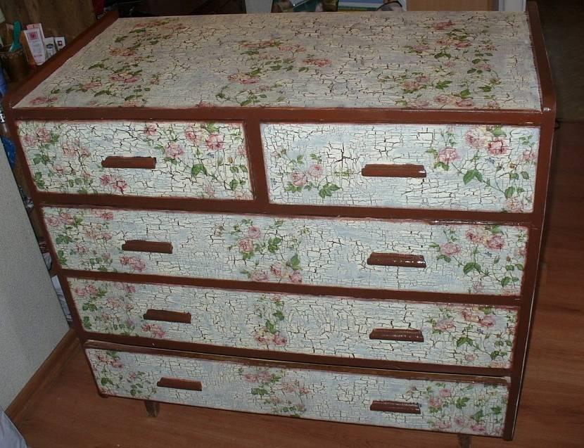 Простой способ вернуть старой мебели вторую жизнь