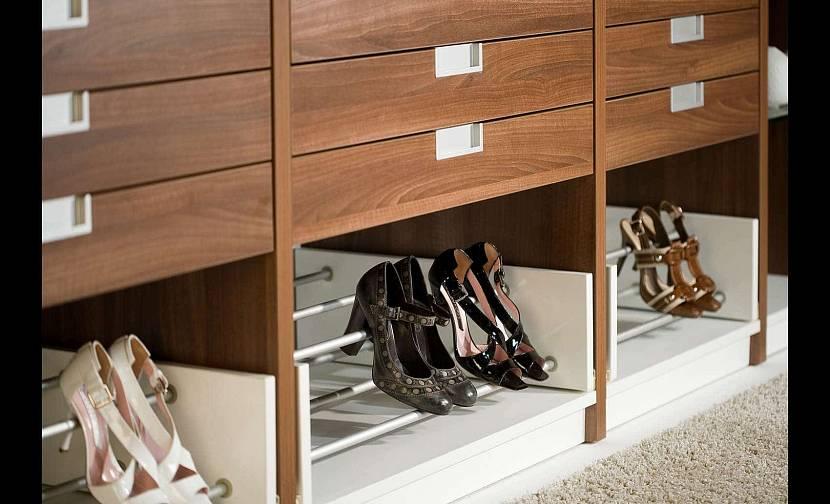 Специальные системы хранения под разную обувь