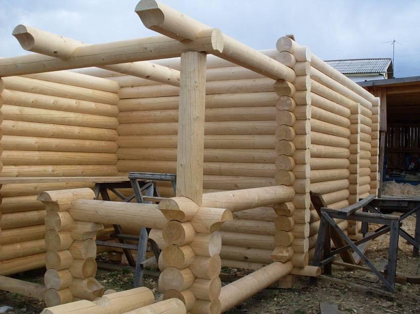 как правильно построить дом из оцилиндрованного бревна