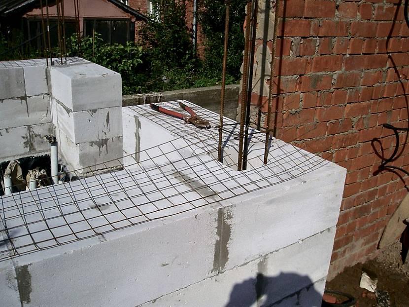 Армирование несущей стены при строительстве дома из газобетона