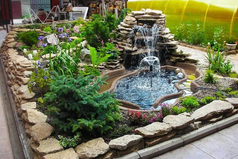 Альпийские горки с фонтаном