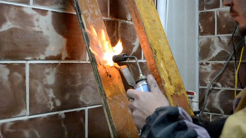 Снятие краски газовой горелкой