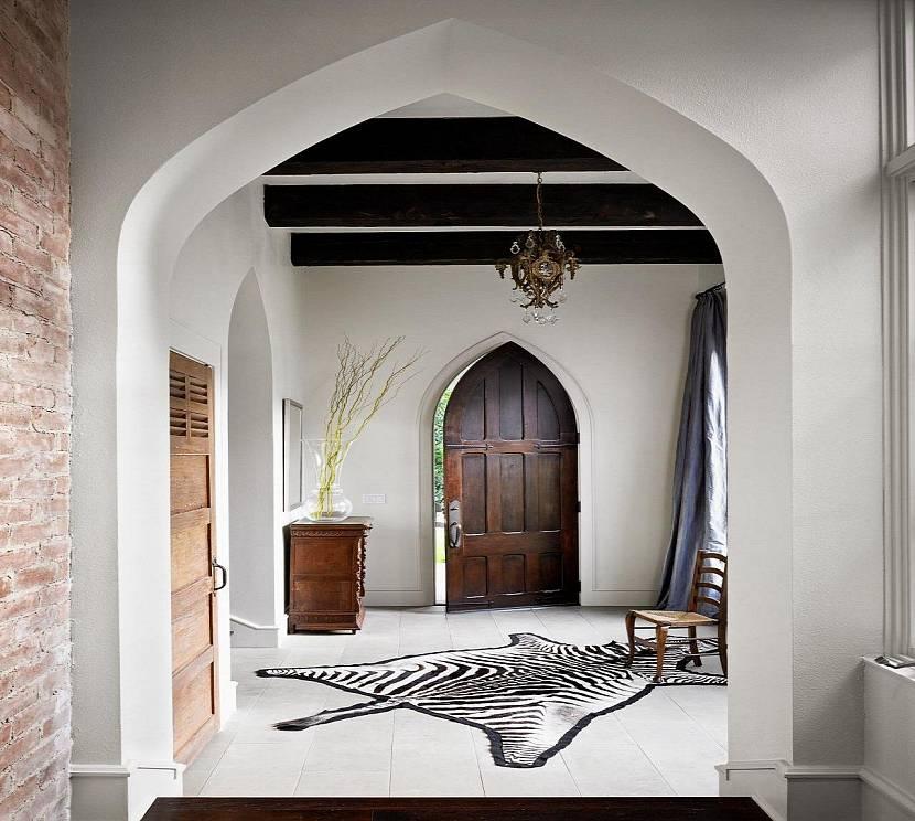 Кирпичные стены в готике