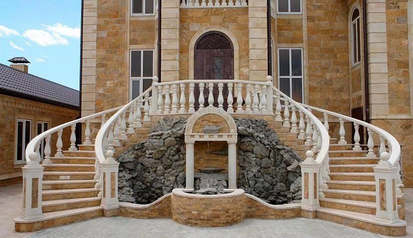 лестницы входные в частный дом
