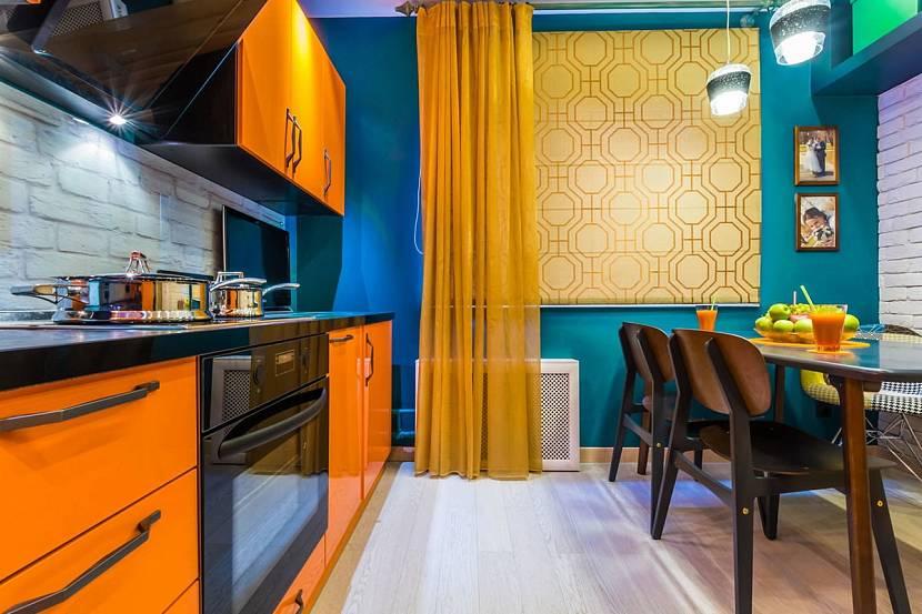Желтые рулонные шторы на кухню