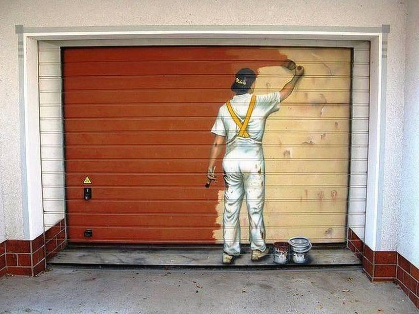 Покрашенные гаражные ворота