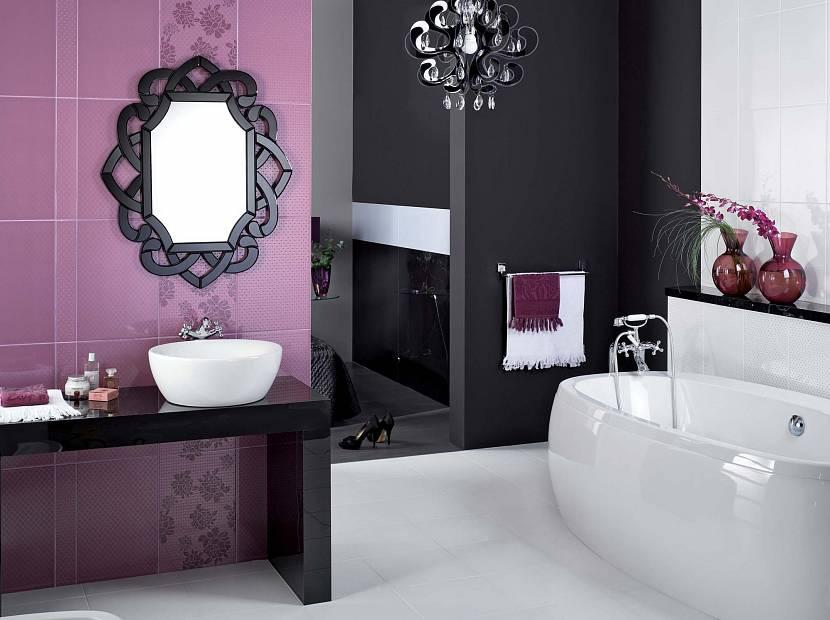Черная плитка для сиреневой ванной