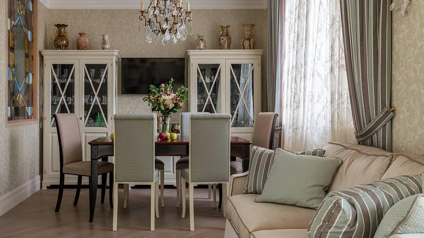 Полосатые прямые занавески в гостиную