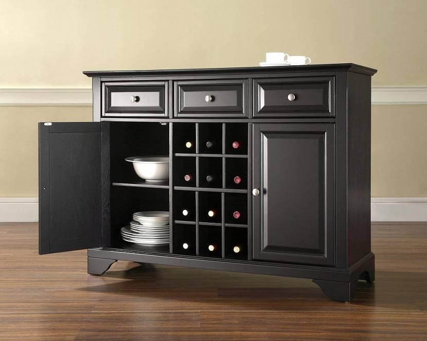 Удобный предмет для хранения посуды и бутылок с вином
