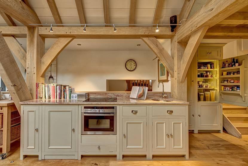 кухня беленый дуб в интерьере сочетание цветов