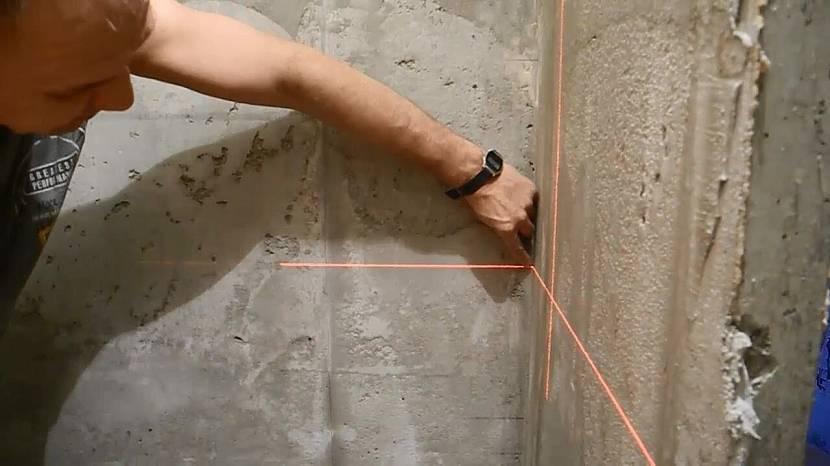 Определение кривизны стены лазерным уровнем