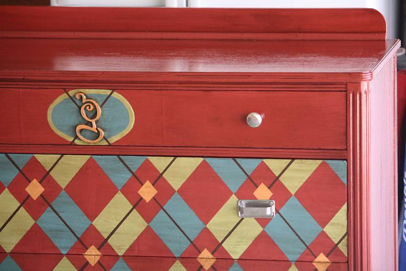 Покраска старой мебели