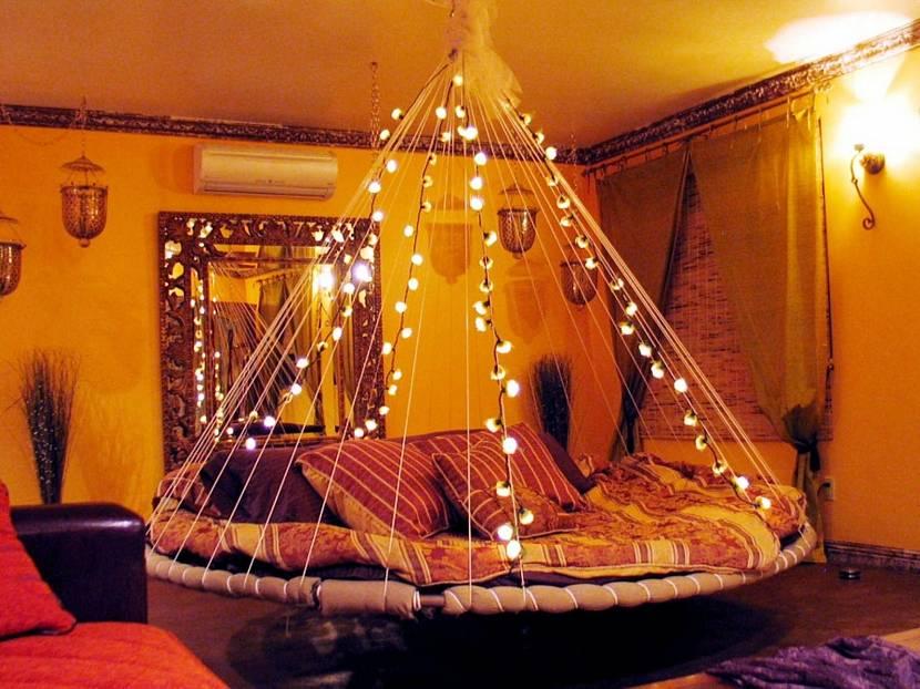 Круглая кровать на подвесе
