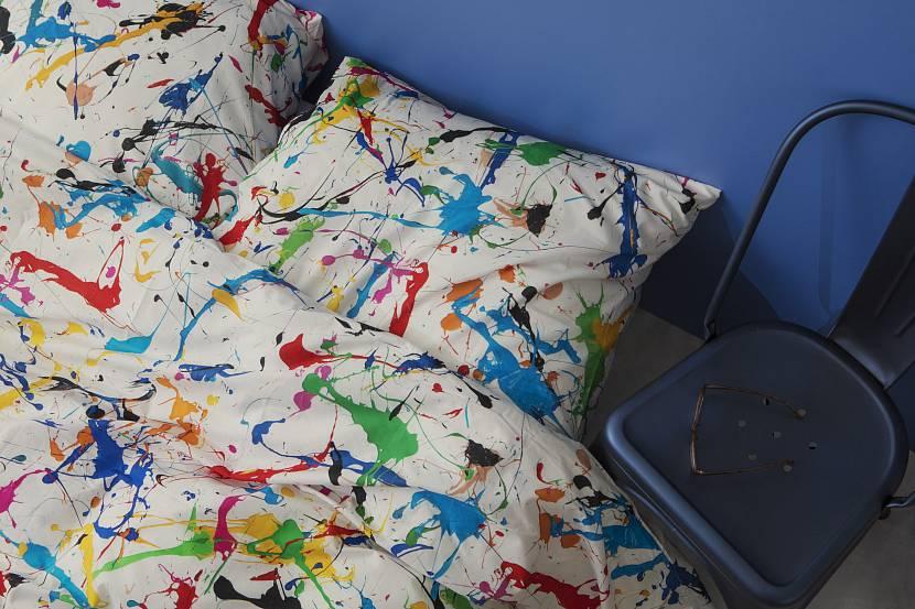 Отделка постельного белья акриловыми красками