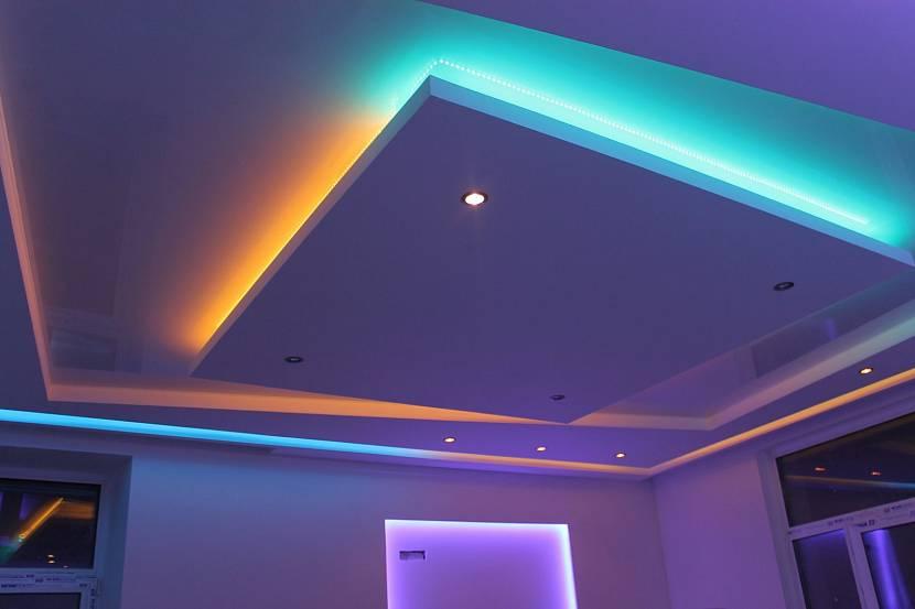 Многоярусный натяжной потолок