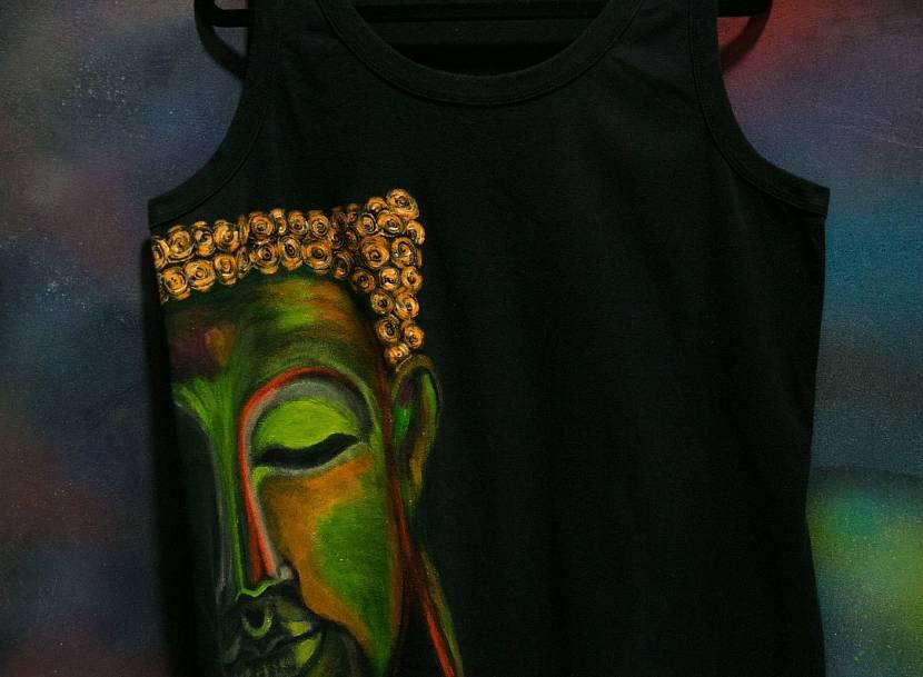 Флуоресцентная акриловая краска в росписи по одежде