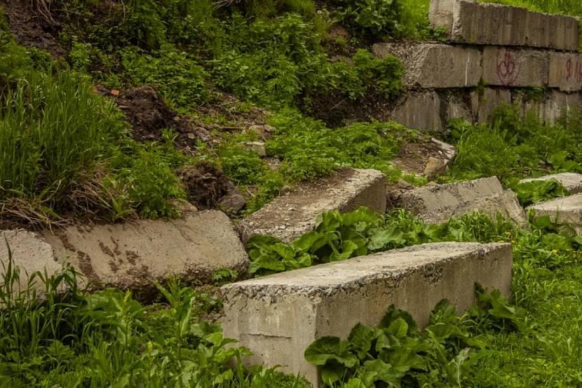 Разрушение подпорных стенок