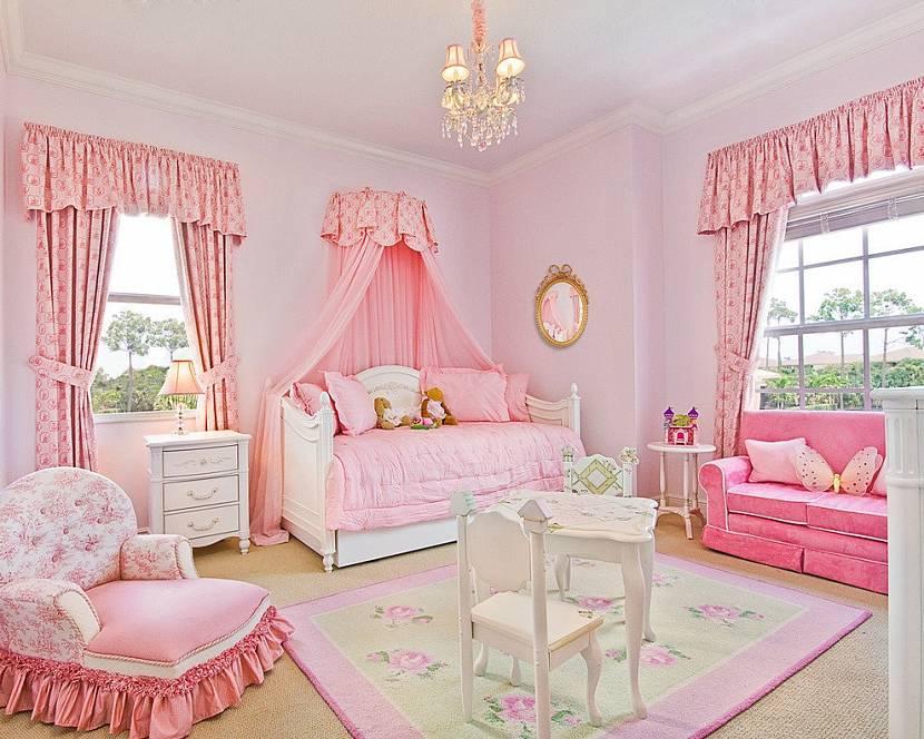 Комната в розовом стиле