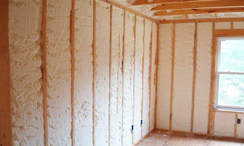 Жидкий пенопласт на внутренних стенах каркасного дома